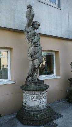Scultura in pietra - http://achillegrassi.dev.telemar.net/project/scultura-con-basamento-in-pietra-bianca-di-vicenza-2/ - Scultura con basamento in Pietra bianca di Vicenza Dimensioni:  110cm x 110cm x 395cm