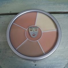 Shop Women's Kryolan size Concealer at a discounted price at Poshmark. Description: **NO TRADES** Kryolan Cosmetics Concealer Circle - For concealing and contouring NEW UNUSED. Makeup Artist Kit, Makeup Kit, Kryolan Makeup, It Cosmetics Concealer, Fresh Face, Diy Beauty, Beauty Solutions, Make Up, Contouring