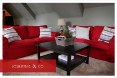 red couch room... I kind of like this!