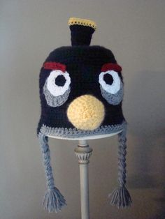 Angry Birds Hat Black Bird - Free Crochet Pattern - links to other angry birds hat patterns as well.