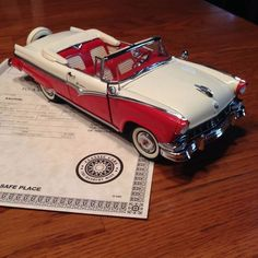 1956 Ford Sunliner Danbury Mint die cast #DanburyMint #Ford