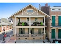 941 Dumaine St. #MansionMonday