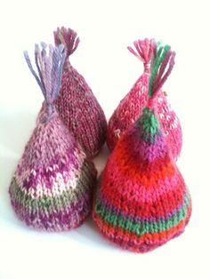 Knitted tree decorations/paper weights using sock yarn