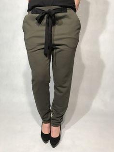 IMG_1806 Parachute Pants, Sweatpants, Fashion, Moda, La Mode, Sweat Pants, Fasion, Jumpsuits, Fashion Models