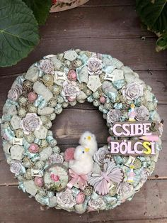 Easter Wreaths, Shabby Chic Style, Burlap Wreath, Diy And Crafts, Spring, Floral, Outdoor Decor, Flowers, Handmade