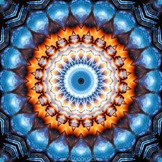 Locked Energy  #kaleidofficial  #kaleidoscope #kaleidoscopic #energy #metalframe #lightning #thunderbolt #mandala #mandalaart #symmetricart #symmetric #abstract #abstractart #colorful #digitalart #digitalpainting #visualart #visualdesign #mirrorlab #thegraphicspr0ject  #fa_hypnotic  #psychedelic #psychedelicart #trippy #trippyart #pattern #modernart #sharingart #meditation #art_sanity