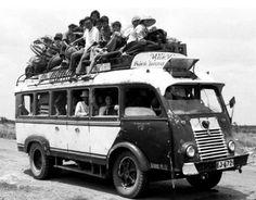 """Xe đò """"lỡ"""" Renault Goelette biến chế với thùng dài hơn của hảng Hiệp Hoà chạy đường Bình Dương Saigon 1959."""