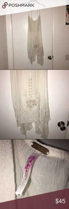 White size large free People dress We look at all offers- no trades- better deals on bundles- ships next day- Free People Dresses Mini