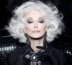 Curly Lace Front Wigs, Curly Wigs, Front Lace, Remy Human Hair, Human Hair Wigs, Buy Wigs Online, Carmen Dell'orefice, My First Wig, Colored Wigs