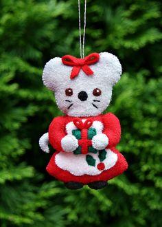 Ornament+K+Missus+Mouse.jpg 1,143×1,600 pixeles