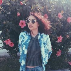 With a time-stopping voice and a Portishead sample, Alessia Cara delivered one of the year's best songs. Cool Girl Style, My Style, Good Girl, College Fashion, Celebs, Celebrities, Mode Inspiration, Role Models, 1990s