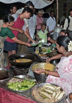 Street food: hot without the haute : Sizzling at #Bhajji Stall on East Mada Road, #Chennai #Street #Food #India #ekPlate #ekplatebhajji