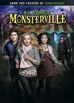 http://tamoenmovie.blogspot.com/2015/11/rl-stines-monsterville-el-consejo-de.html
