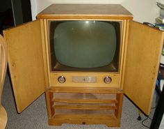 RARE 1950's Emerson Blond Wood Cabinet Retro Television for Parts or Repair