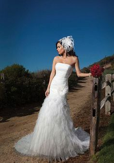 Fit N Flare Strapless Tulle Dropped Floor Length Sleeveless Wedding Dresses - Angeldress.co.uk