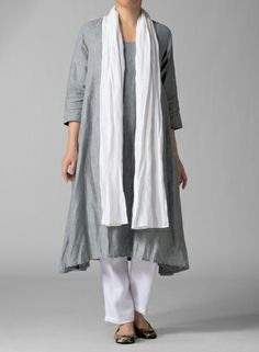 A-line dress for daytime or up for a night out on the town or adding some oomph to your everyday look by wrinkled the dress. Look Fashion, Fashion Outfits, Womens Fashion, Miss Me Outfits, Mode Cool, Vetements Clothing, Look 2018, Advanced Style, Schneider
