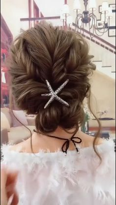 Cutie Hairstyle Up Dos For Short Hair cutie hairstyle Formal Hairstyles For Long Hair, Girl Hairstyles, Classy Hairstyles, Hair Up Styles, Medium Hair Styles, Simple Updo Tutorial, Short Hair Updo Tutorial, Wedding Updo Tutorial, Bridesmaid Hair Tutorial