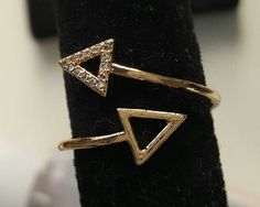 Anillo triangular