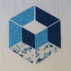 Welcome to Hexagon - Easy Y Seams Table Runner Project Part 2 of 3 By Paco Rich It is important that you read through ever. Strip Quilt Patterns, Machine Quilting Patterns, Strip Quilts, Quilting Designs, Table Topper Patterns, Table Runner Pattern, Tumbling Blocks Quilt, Quilt Blocks, Hexagon Quilt