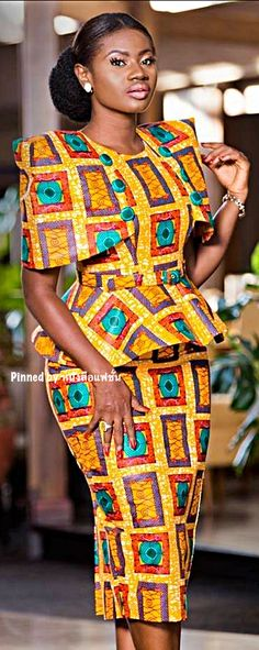 10 photos - the new African outfits in Wax that you need for the year . 10 photos - the new African outfits in Wax that you need for the year . African Fashion Designers, African Fashion Ankara, Ghanaian Fashion, African Inspired Fashion, Latest African Fashion Dresses, African Print Dresses, African Dresses For Women, African Print Fashion, Africa Fashion