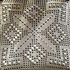 Ravelry: Bedspread Square pattern by Yoko Suzuki (鈴木陽子) Crochet Bedspread Pattern, Crochet Quilt, Crochet Blocks, Crochet Pillow, Crochet Squares, Thread Crochet, Crochet Motif, Crochet Doilies, Crochet Lace