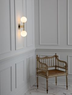 Based in New York, Allied Maker is a contemporary lighting design and manufacturing studio specializing in handcrafted lighting fixtures. Interior Walls, Home Interior, Interior Architecture, Interior Design, Design Design, Dining Room Walls, Living Room, Dining Room Wainscoting, Wall Trim