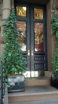 Exterior entrance lighting french doors 20 ideas for 2019 Front Door Entrance, Door Entryway, Front Door Colors, Entry Doors, Doorway, Exterior Door Hardware, Exterior Doors With Glass, Entrance Lighting, Double Front Doors