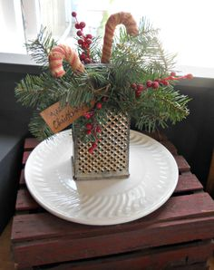 This Year Will Be The Year of Vintage Christmas Decorations - decoratop Prim Christmas, Farmhouse Christmas Decor, All Things Christmas, Winter Christmas, Vintage Christmas, Christmas Wreaths, Christmas Kitchen, Christmas Greenery, Natural Christmas
