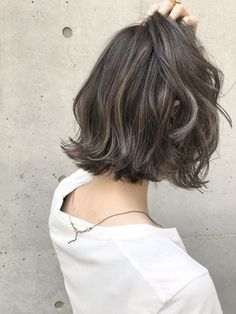 《SHIMA×望月》切りっぱなしボブ×外国人風ハイライト - 24時間いつでもWEB予約OK!ヘアスタイル10万点以上掲載!お気に入りの髪型、人気のヘアスタイルを探すならKirei Style[キレイスタイル]で。