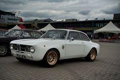 New Beautiful Cars Dreams Wheels Ideas Alfa Romeo 1750, Alfa Romeo Gtv, Car Themed Nursery, Alfa Romeo Junior, Vintage Car Nursery, Bmw Vintage, Japan Cars, Car Travel, Bmw Cars