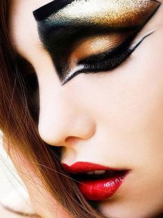 Make Up / Beauty / Fantasy Make Up Looks, Beauty Makeup, Eye Makeup, Hair Makeup, Gold Makeup, Face Beauty, Fantasy Make Up, Dramatic Makeup, Dramatic Eyeliner