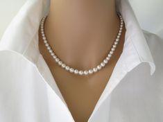 Swarovski pearl necklace, Simple graduated pearl wedding necklace, Classic bridal necklace, Bridesmaid necklace