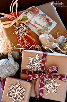 40 amazing christmas gift wrapping ideas you can make yourself 28 ridiculously satisfying pictures of perfectly wrapped christmas presents solutioingenieria Image collections