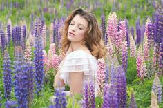 Field of lupine Megan spence photography Athénaïs model