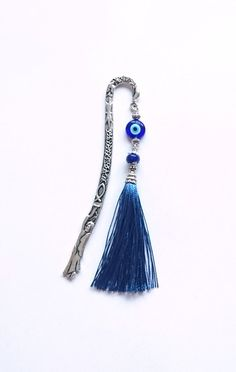 Blue Tassel Bookmark / Beaded Unique Bookmark by BespokeInnaDesign Diy Bookmarks, Beaded Bookmarks, Hair Jewelry, Beaded Jewelry, Unique Jewelry, Tassel Bookmark, Book Markers, Beads And Wire, Metal Stamping