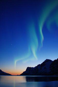 Aurora borealis IV by Johannes Bolstad on Flickr.