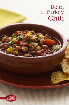 Ground turkey and beans make this classic chili base extra hearty. Whether you need a chili recipe with no red meat or you're looking for a chili that's low-cal, this one's for you! Good Food, Yummy Food, Delicious Recipes, Classic Chili Recipe, Turkey Chili, Bowl Of Soup, Ground Turkey Recipes, Chili Recipes, Soups And Stews