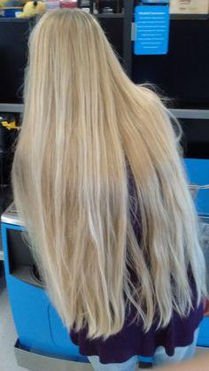Long beautiful blonde hair fixation #Rapunzel #longhair