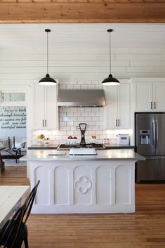 Island. Magnolia Homes/ HGTV Fixer Upper