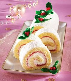 piskóta tekercs finom krémmel Cake Videos, Trifle, Gingerbread Cookies, Sugar, Desserts, Food, Gingerbread Cupcakes, Tailgate Desserts, Deserts