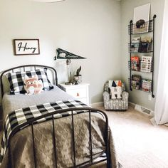 35 Amazingly Pretty Shabby Chic Bedroom Design and Decor Ideas - The Trending House Teen Boy Bedding, Boy Toddler Bedroom, Big Boy Bedrooms, Boys Bedroom Decor, Boy Rooms, Master Bedroom, Toddler Boy Room Ideas, Little Boy Bedroom Ideas, Little Boys Rooms