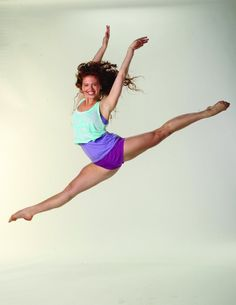 Jorden clark decides to show off her fabulous moves in the next step, ( winner of SYTYCD) Jordan's playing Giselle Disney Channel, Le Studio Next Step, Step Tv, U Go Girl, Family Channel, The Next Step, Disney Shows, Great Tv Shows, Dance Photography