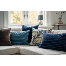 Vårens nyheter er i butikk! Friske farger, lekre mønster og trendy farger 😍 #kremmerhuset #interiør #nyheter #vår2021 #husoghjem #hjem #putetrekk #sofa #tekstil #inspirasjon #interior Throw Pillows, Bed, Sofa, Furniture, Home Decor, Toss Pillows, Settee, Decoration Home, Cushions