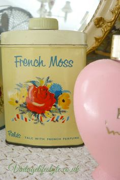 Talc / powder tin with colourful florals