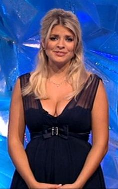 Holly Willoughby Holly Willoughby Legs, Caitlin Stasey, Most Beautiful Women, Beautiful Females, Tv Presenters, Female Stars, Blonde Women, True Beauty, Pretty Woman