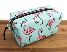 HappyBagCo on Etsy Flamingo Bag - Flamingo Makeup Bag - Flamingo Accessories - Flamingo Gifts - Make Up Bag - Toiletry Bag Women - Gift for Bestfriend Large Makeup Bag, Cute Makeup Bags, Makeup Bag Organization, Flamingo Gifts, Best Travel Accessories, Travel Toiletries, Toiletry Bag, Bag Making, Cosmetic Bag