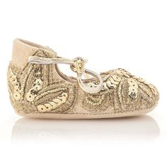 Golden Leather Baby Shoes by Vibys  #vibys #goldenshoes #babyshoes #vibysbabyshoes