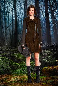 http://www.style.com/slideshows/fashion-shows/fall-2015-ready-to-wear/elie-tahari/collection/16