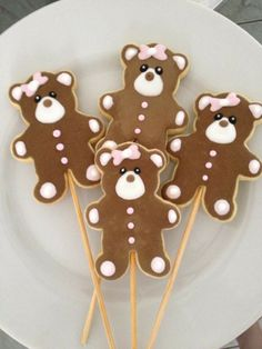 Teddy bear cookie pops