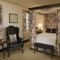 The Ewing Shop, one of the Colonial House properties available for guests to rent at Colonial Williamsburg.  KW